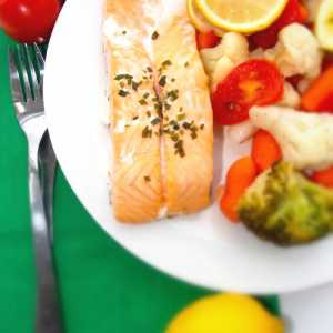 Poached Salmon With Vegetables