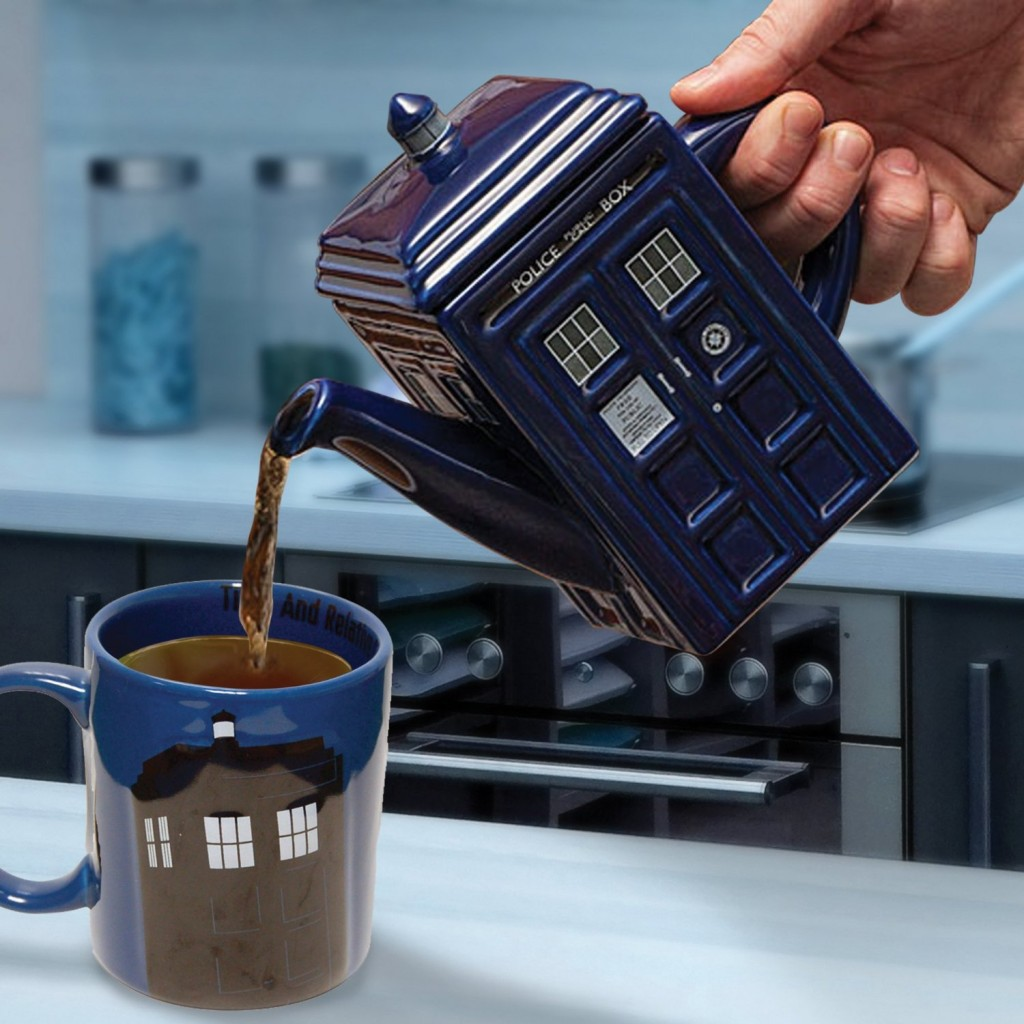 Doctor Who Tardis Teapot.