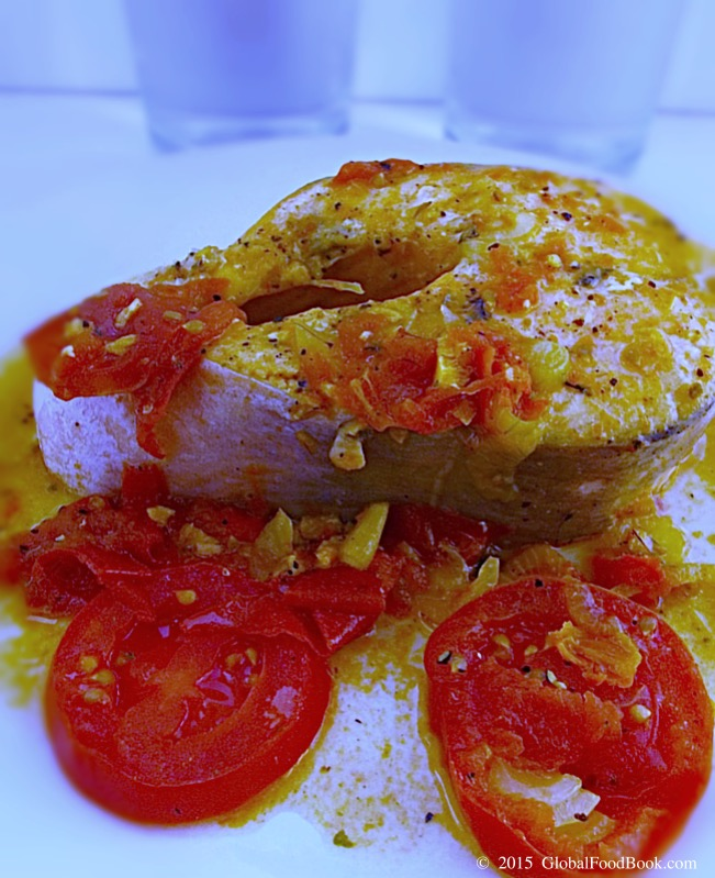 Steamed Salmon With fresh tomatoes-_Fotor