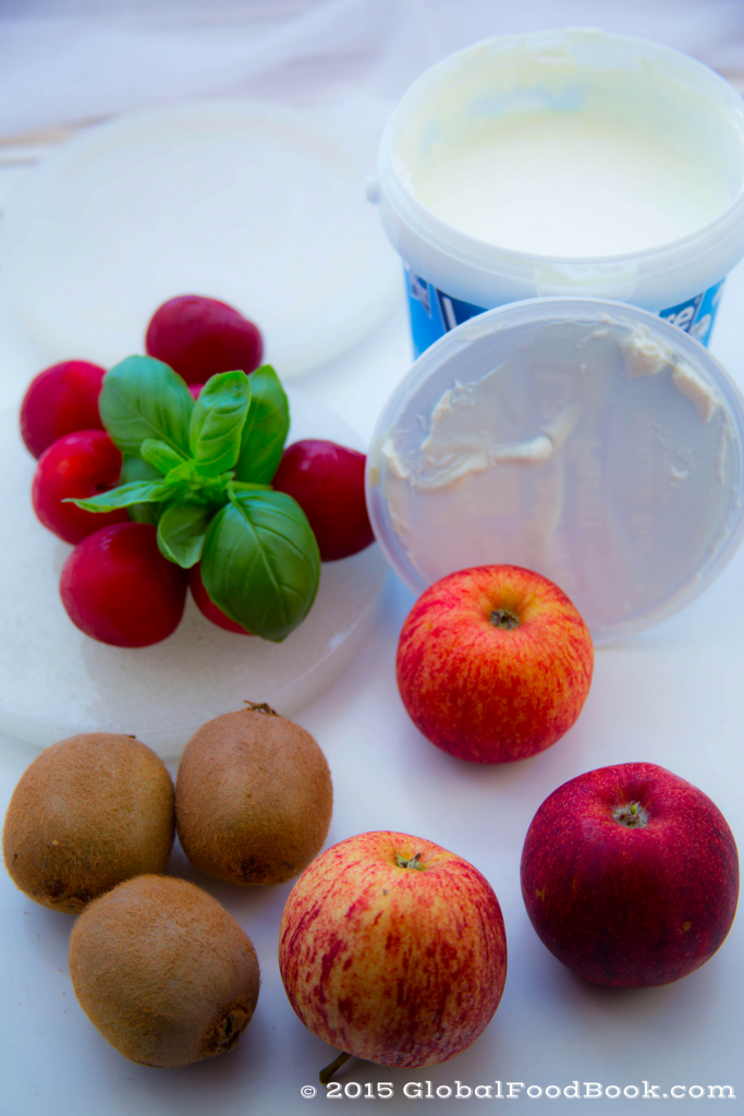 apple, kiwi and plum yogurt (1)