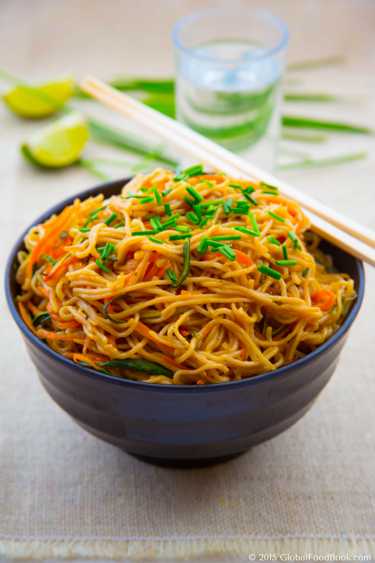 15 MINUTES ZUCCHINI AND CARROT NOODLES