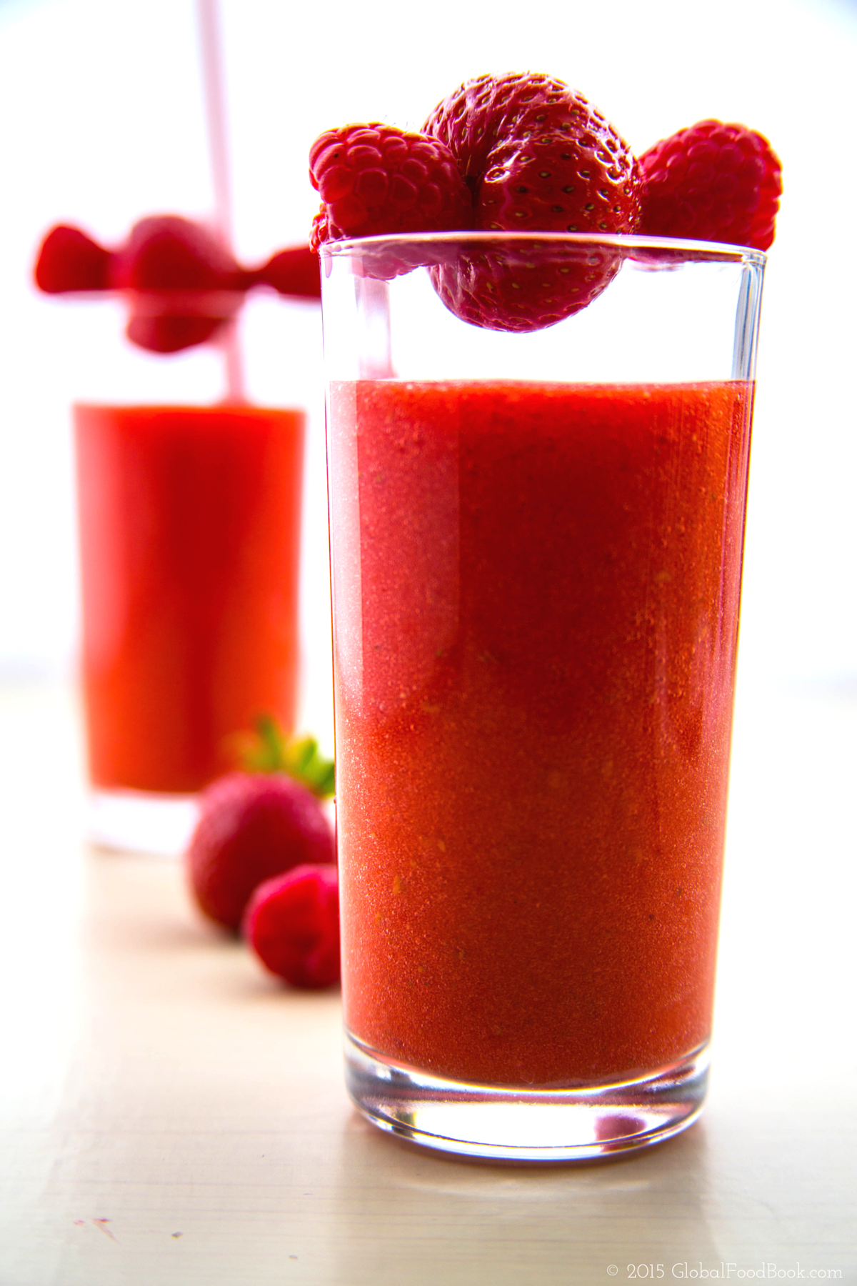 Strawberry and raspberry smoothie (1)