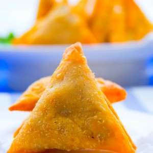 CHICKEN AND LAMB SAMOSA
