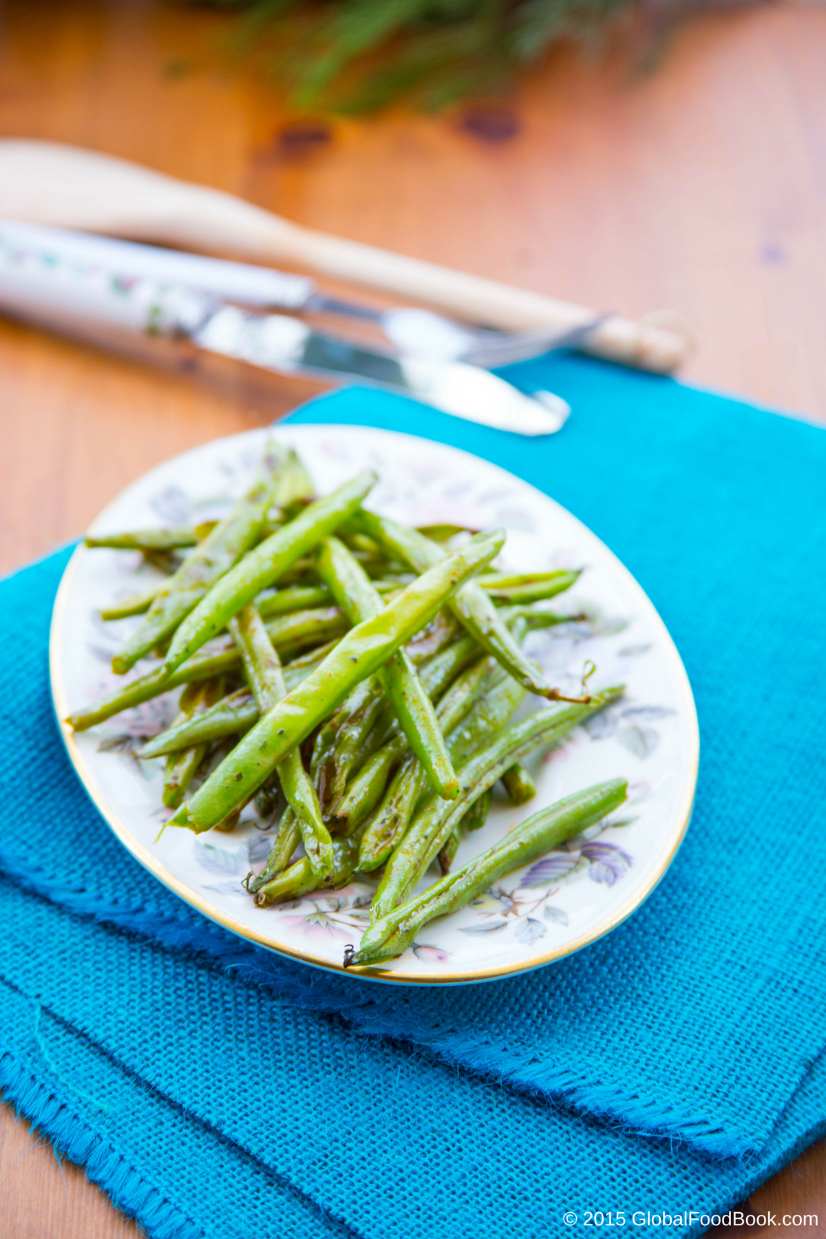 SPICY SAUTÉED GREEN BEANS