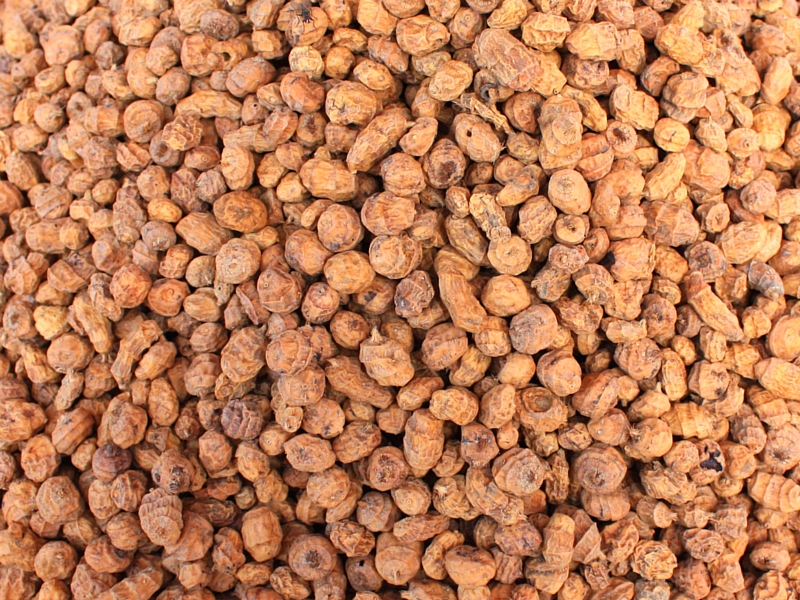 HERE'S WHY YOU NEED TO EAT MORE TIGER NUTS