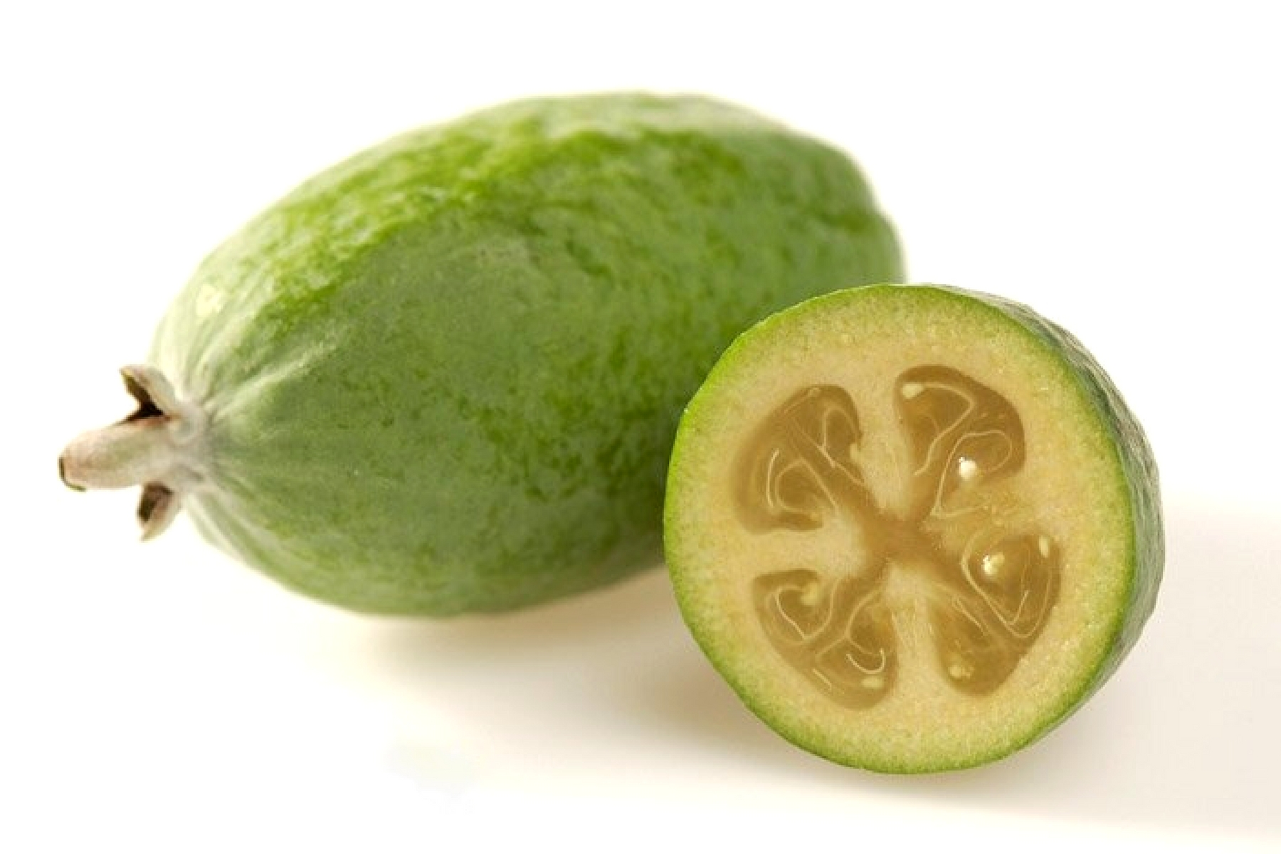 16 REMARKABLE BENEFITS OF PINEAPPLE GUAVA (FEIJOA)